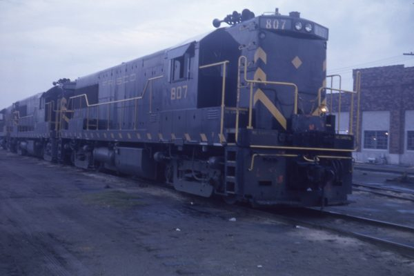 U25Bs 807 and 800 (location unknown) on April 18, 1962