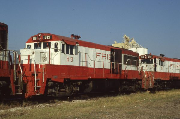 U25Bs 819 and 813 at Memphis, Tennessee on September 1, 1980 (P.B. Wendt)