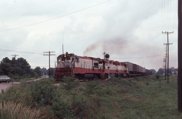 U30B 857 and GP38-2 435 (location unknown) in June 1977
