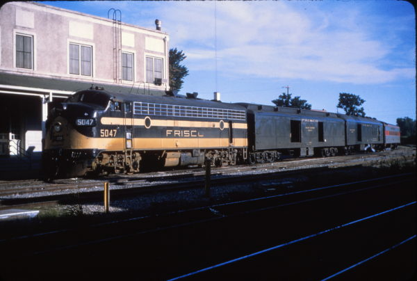 FP7 5047 at Fort Smith, Arkansas in June 1964 on Train #710 (Mike Condren)