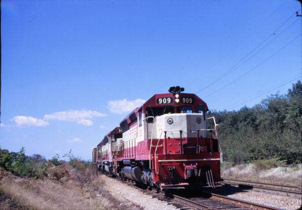 SD45 909 (date and location unknown)