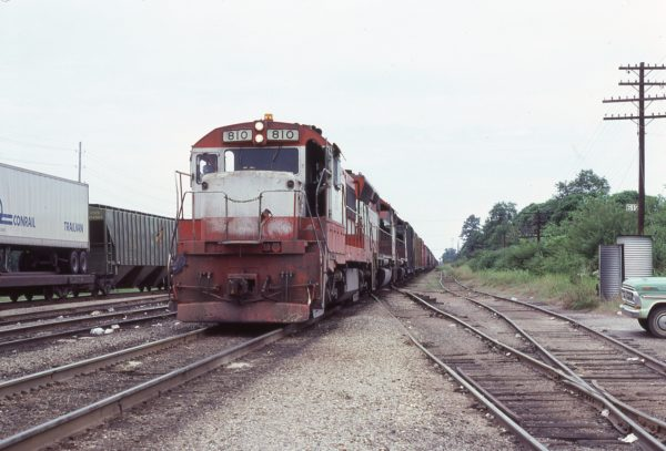 U25B 810 at Amory, Mississippi in July 1978