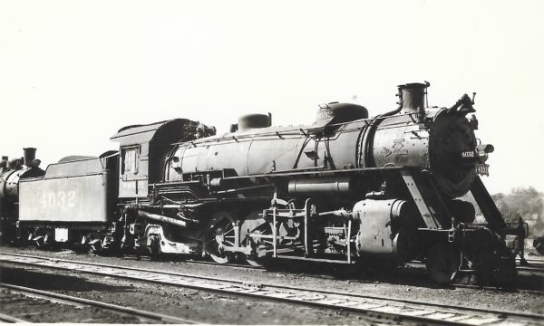 2-8-2 4032 (date and location unknown)