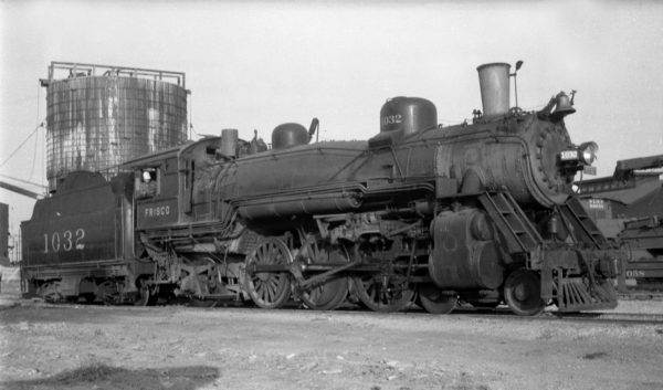 4-6-2 1032 at Enid, Oklahoma (date unknown) (Ralph Graves)