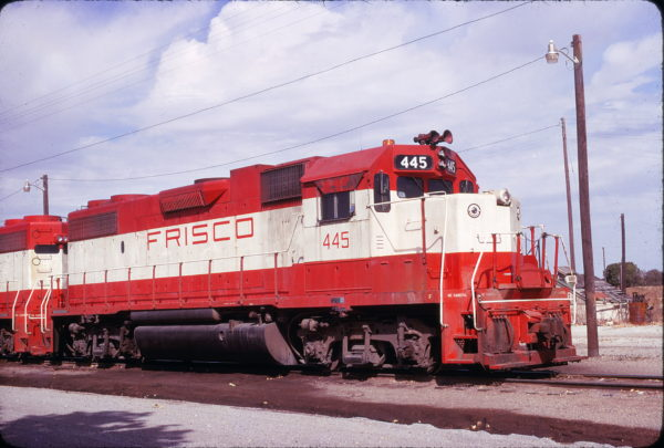 GP38-2 445 at Oklahoma City, Oklahoma in November 1975 (John Arbuckle)