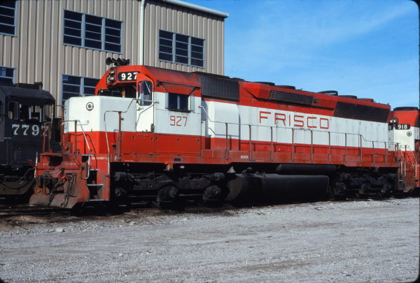 SD45 927 at Tulsa, Oklahoma on November 28, 1980 (Bill Bryant)