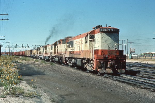 U25B 806 at Cheyenne, Wyoming (date unknown)