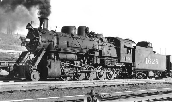 2-10-0 1625 at Kansas City, Missouri on August 18, 1948 (Richard Kindig-Charles Felstead)