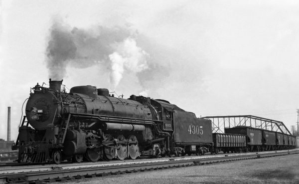4-8-2 4305 Extra, Westbound at Lindenwood Yard, St. Louis, Missouri in 1941 (William K. Barham)