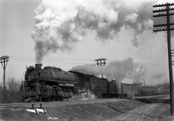 4-8-4 4513 on Train #37 (2nd Section) at Southeastern Junction, St. Louis, Missouri in November 1942 (William K. Barham)
