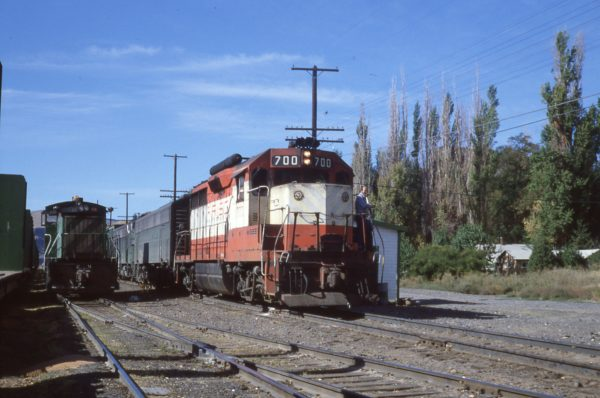 GP35 700 at Wishram, Washington in October 1979