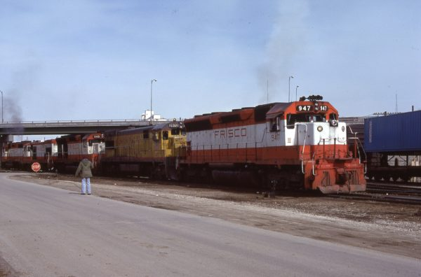 SD45s 947 and 948 at Rosedale, Kansas on March 5, 1979 (Bill Bryant)
