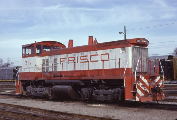 SW1500 317 at Memphis, Tennessee in January 1981 (Lon Coone)