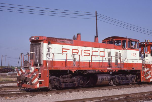 SW1500 342 at Memphis, Tennessee in December 1980 (Lon Coone)