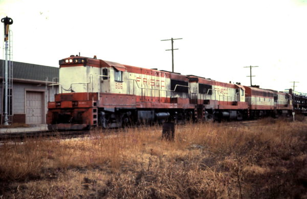 U25B 806 leads a train through Altus, OK (date unknown)