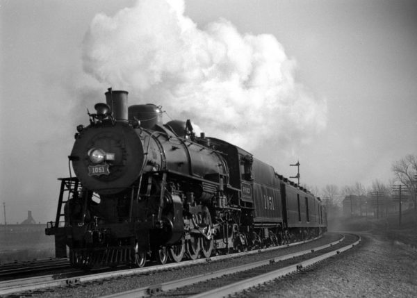 4-6-2 1051 on the Sunnyland at Lindenwood Yard, St. Louis, Missouri in 1940 (William K. Barham)