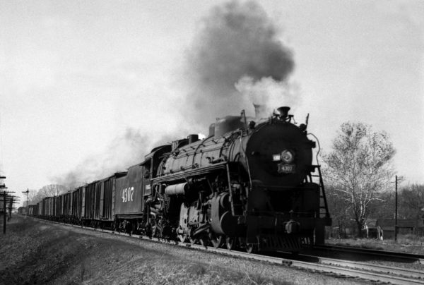 4-8-2 4305 Eastbound at Fairlawn Avenue, Kirkwood, Missouri in November 1940 (William K. Barham)