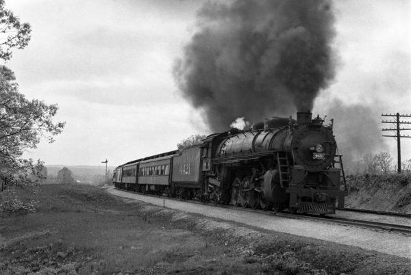 4-8-2 4421 Eastbound Troop Train at Valley Park, Missouri in June 1943 (William K. Barham)