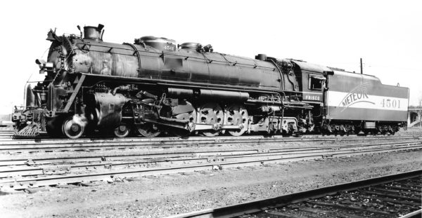 4-8-4 4501 at St. Louis, Missouri in March 1946 (Joe Collias)