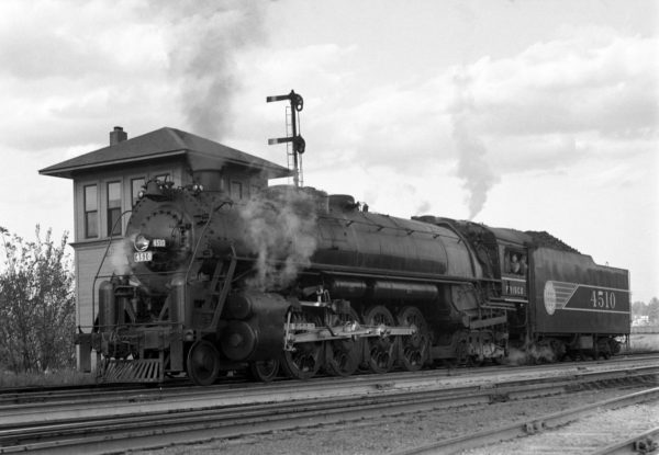 4-8-4 4510 at Southeastern Junction, St. Louis, Missouri in September 1942