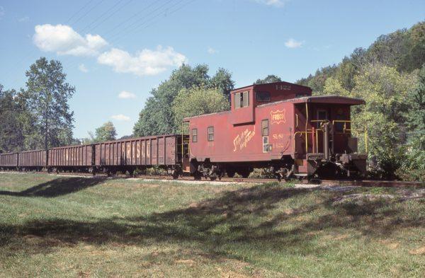 Caboose 1422 (location unknown) in October 1979