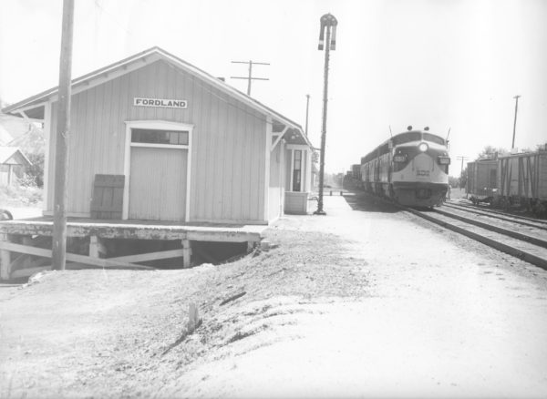 F3A 5017 leads a train at Fordland, Missouri (date unknown)