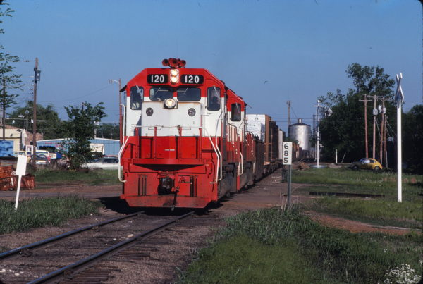 GP15-1 120 on train 738 at Hugo, Oklahoma on April 25, 1978 (Gregory Sommers)
