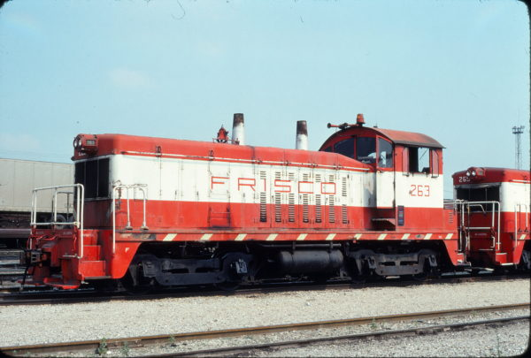 NW2 263 at Tulsa, Oklahoma on July 5, 1976 (Mel Lawrence)