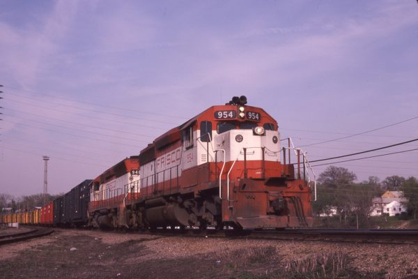 SD40-2 954 and SD45 948 at St. Louis, Missouri on April 23, 1980 (M.A. Wise)