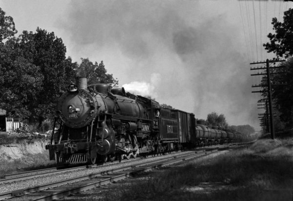 4-8-2 1511 on Train #39 (2nd Section) at Webster Groves, Missouri in 1942 (William K. Barham)