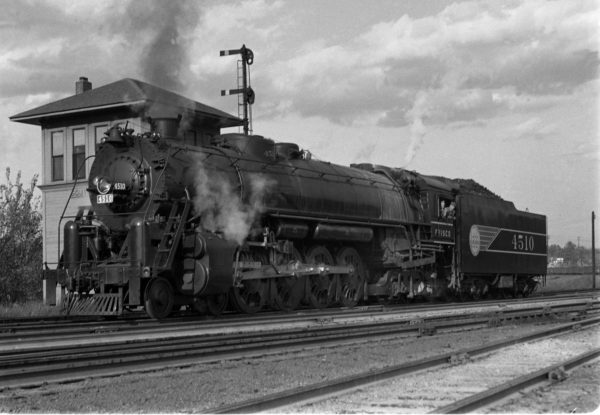 4-8-4 4510 at the Southeastern Junction Tower, St. Louis, Missouri in September 1942 (WIlliam K. Barham)
