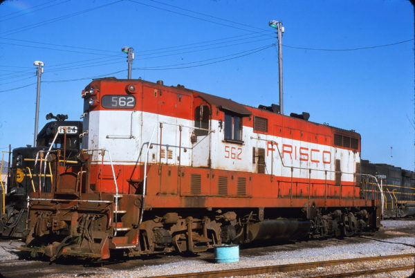 GP7 562 at Memphis, Tennessee on March 25, 1975 (James Holder)