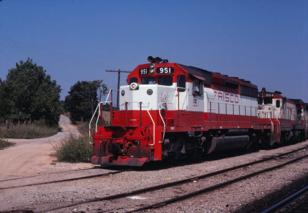 SD40-2 951 and B30-7 864 at Francis, Oklahoma on September 9, 1979 (Gene Gant)