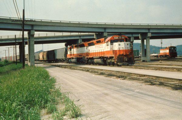 SD45s 920 and 924 at Tulsa, Oklahoma on May 31, 1980