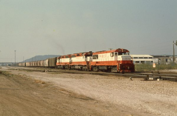 U25B 815, and SD45s 908 and 938 at Tulsa, Oklahoma on August 18, 1979