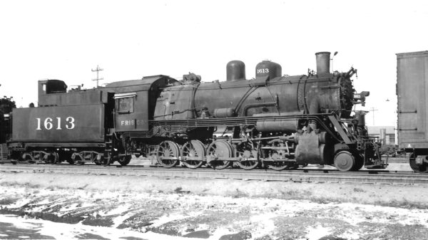 2-10-0 1613 awaiting scrapping at Springfield, Missouri on December 16, 1951 (Arthur B. Johnson)