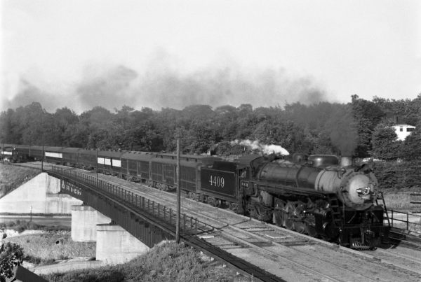 4-8-2 4409 Westbound with Train #9 at Southeastern Junction in 1942 (William K. Barham)