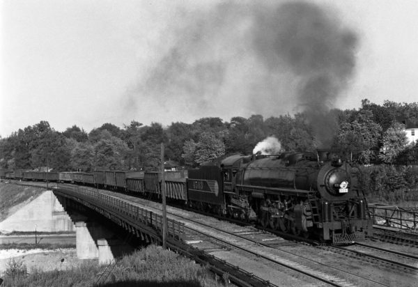 4-8-4 4503 with the first section of Train #37 at Southeastern Junction, St. Louis, Missouri in June 1942 (William K. Barham)