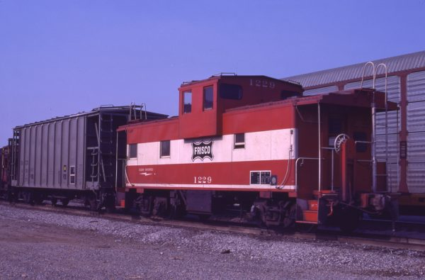 Caboose 1229 at Memphis, Tennessee on November 1, 1978