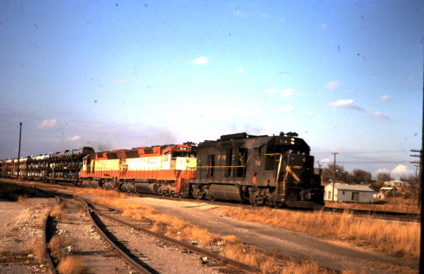 GP35 714 and SD45 914 (date and location unknown)