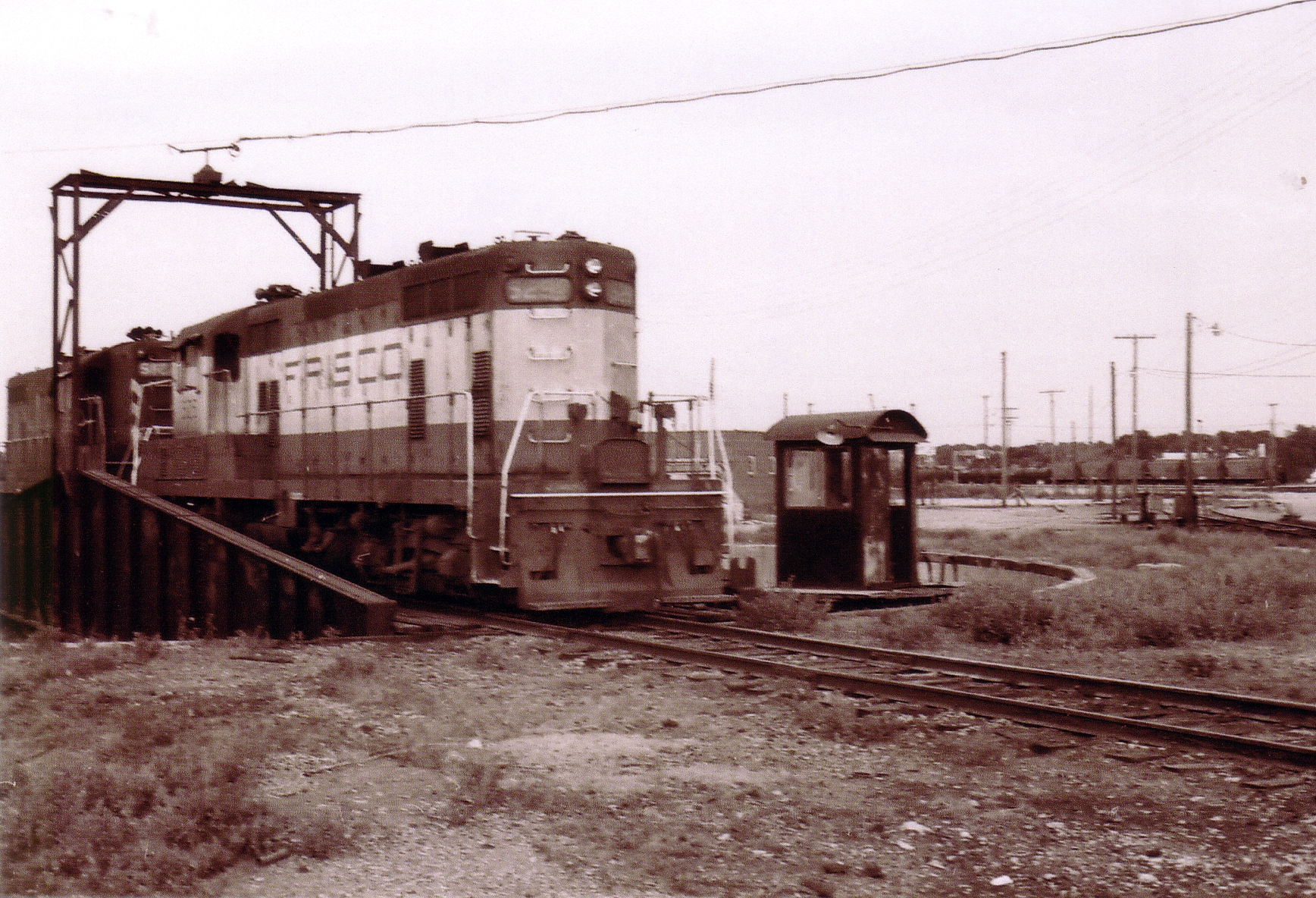 GP7s 529 and 512 (date and location unknown)