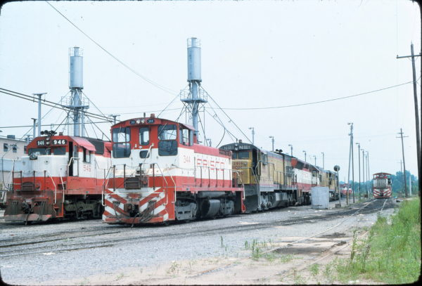 SD45 946 and SW9 314 at Memphis, Tennessee (date unknown) (Steve Gartner)