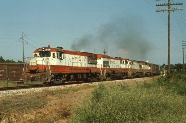U25B 811, U30Bs 847 and 842, and GP35 725 at Vinita, Oklahoma on July 4, 1978