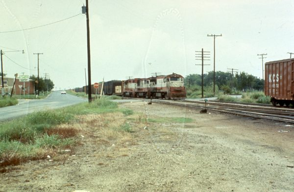 U25Bs 814 and 827 at Sherman, Texas (date unknown)