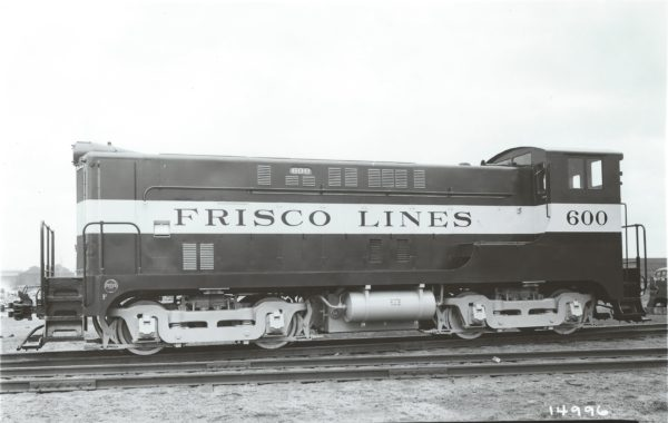 VO-660 600 in April 1942 (Baldwin Builder's Photo)