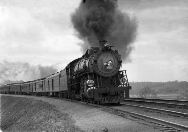4-8-2 1517 at Valley Park Hill, St. Louis, Missouri in 1941 (William K. Barham)