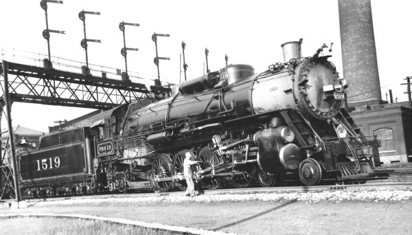 4-8-2 1519 at St. Louis, Missouri in June 1936 (Joe Collias)
