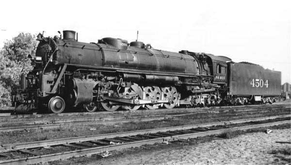 4-8-4 4504 (date and location unknown) (Joe Collias)