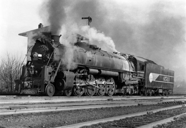 4-8-4 4511 at Southeastern Junction, St. Louis, Missouri in November 1942 (William K. Barham)