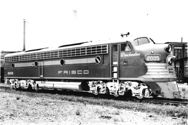 E7A 2005 (Winchester) at Springfield, Missouri on May 18, 1950 (Frisco Photo)
